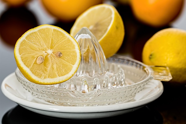rozpůlený citron