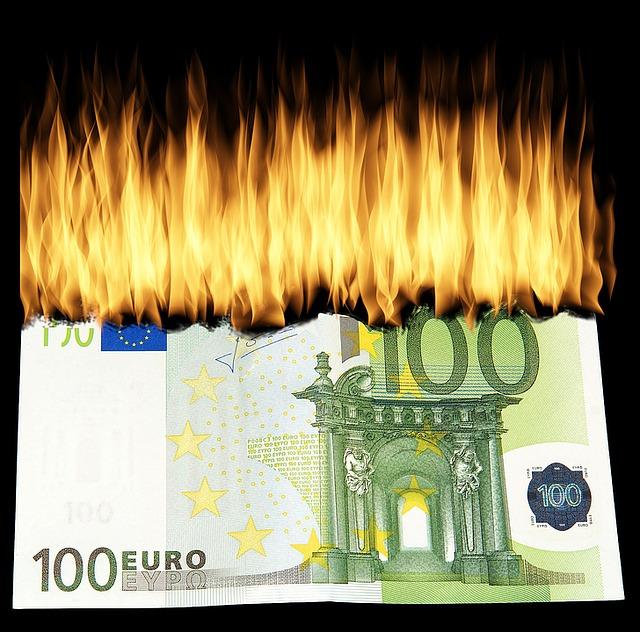 hořící bankovka.jpg