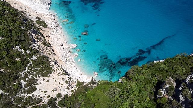 sardinie a středozemní moře
